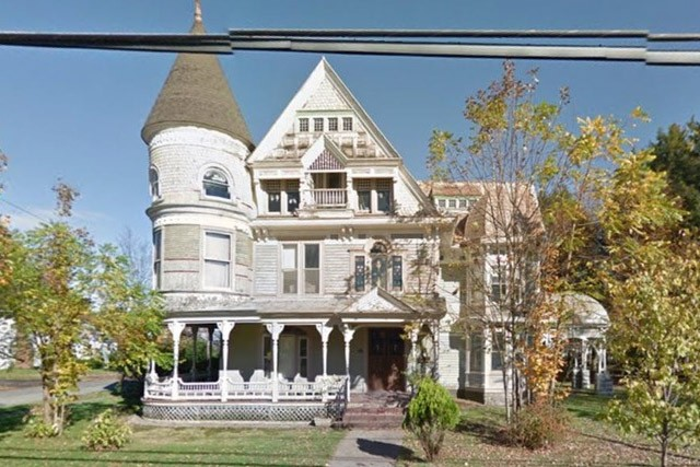 La mansión de las manos blancas de Camden, NY